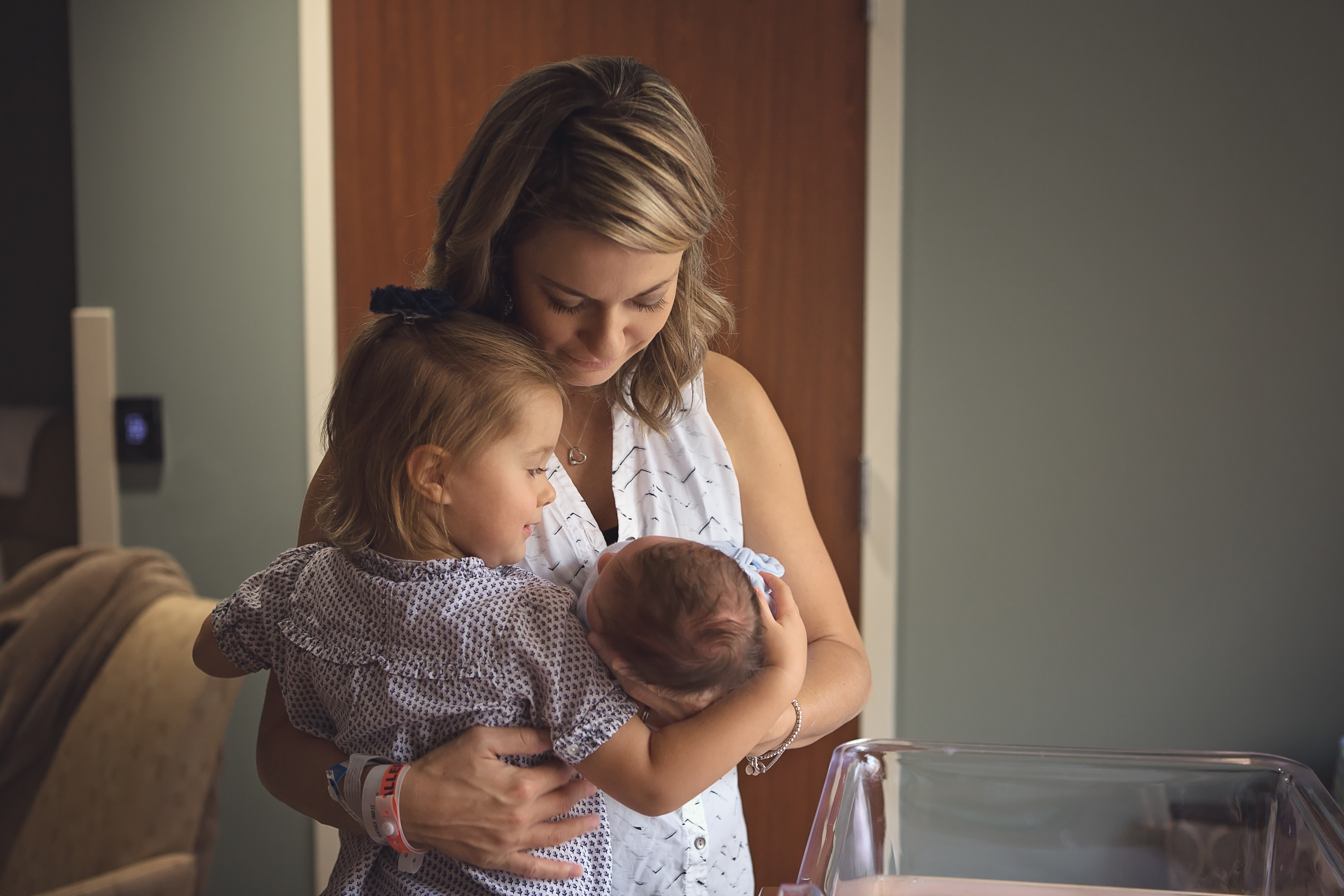 Mother with newborn baby and toddler - Nashville Fresh 48 Photographer