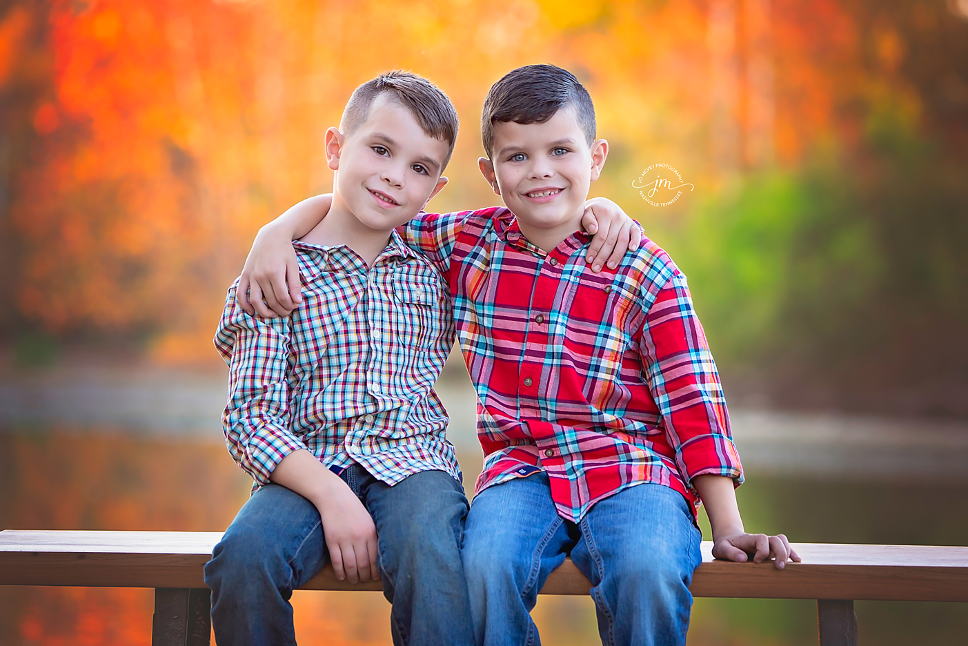 Brothers embracing on bench - Nashville Child Photographer | Jo McVey Photography